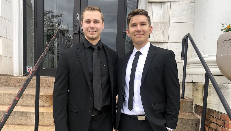 Image of Daniel Kwiatkowski '21 and friend.